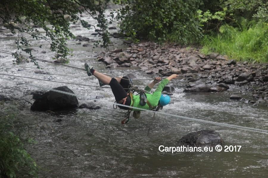"""Результат пошуку зображень за запитом """"переправа через річку на мотузці"""""""